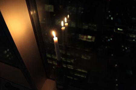 HHREVdanbrowne-candle